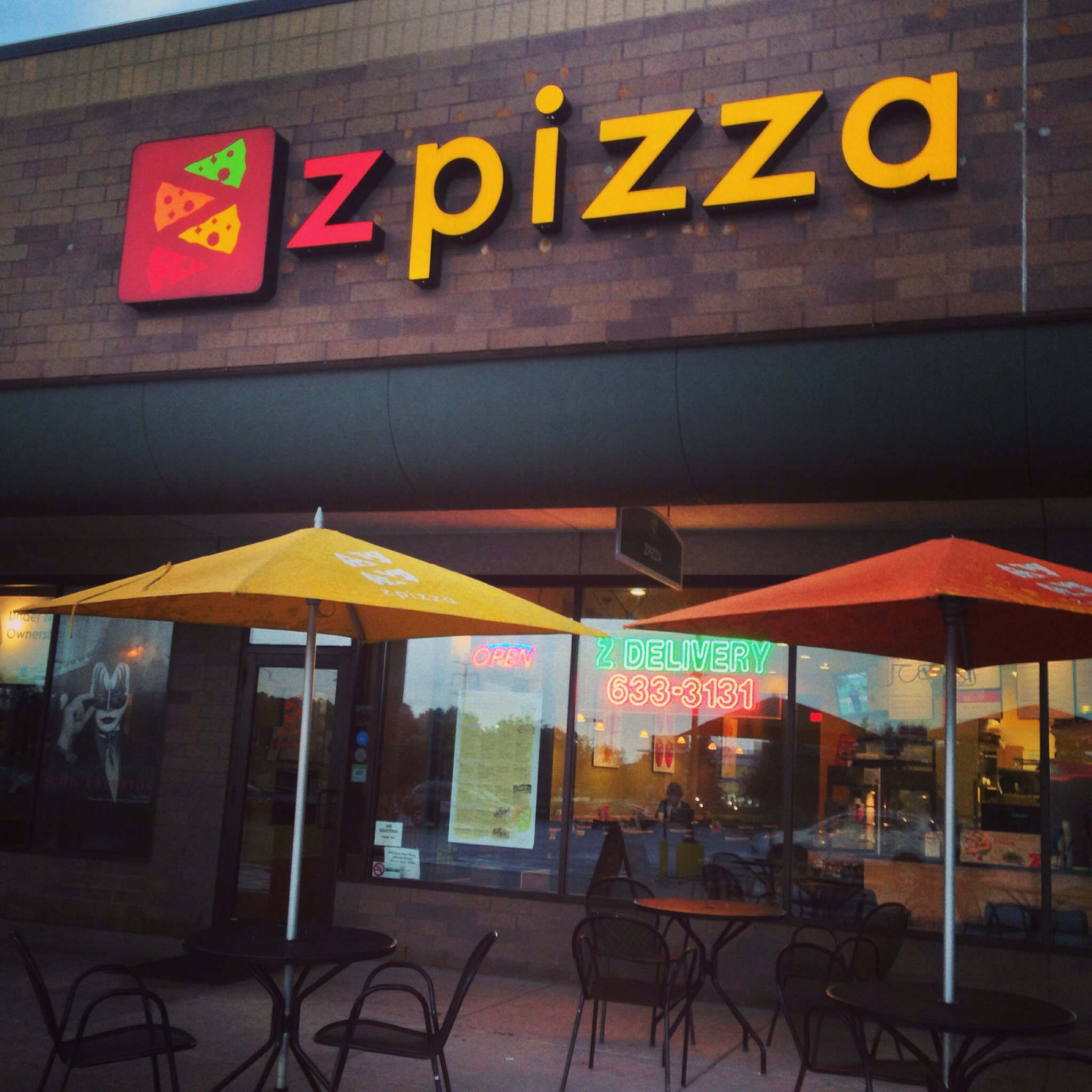 Zpizza Minneapolis Exterior