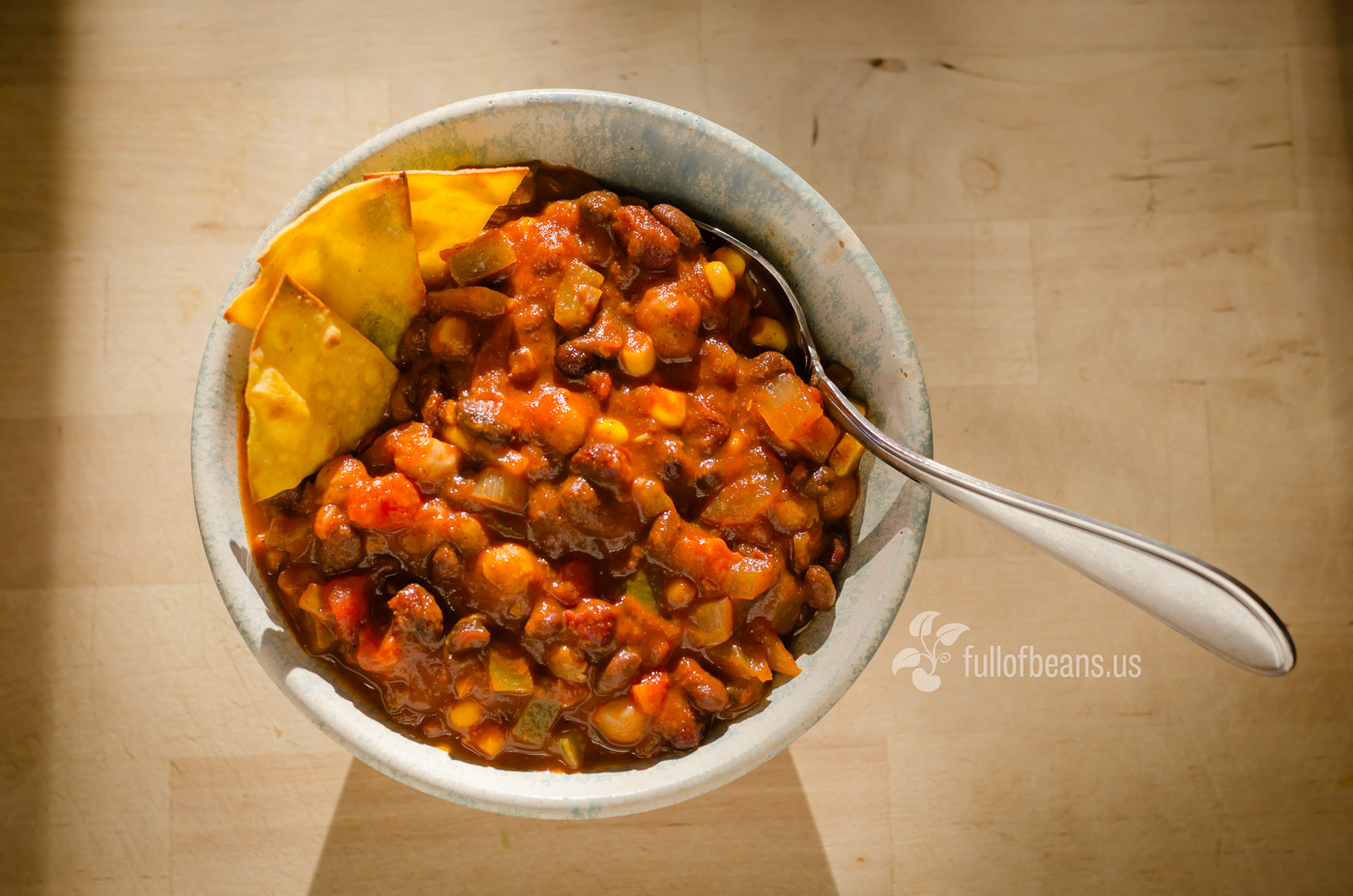 crockpot vegetarian chili with beer
