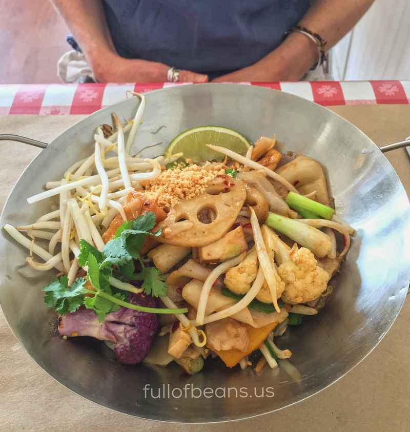 Noodle-Revolution-Bangkok-Pad-Thai-800px